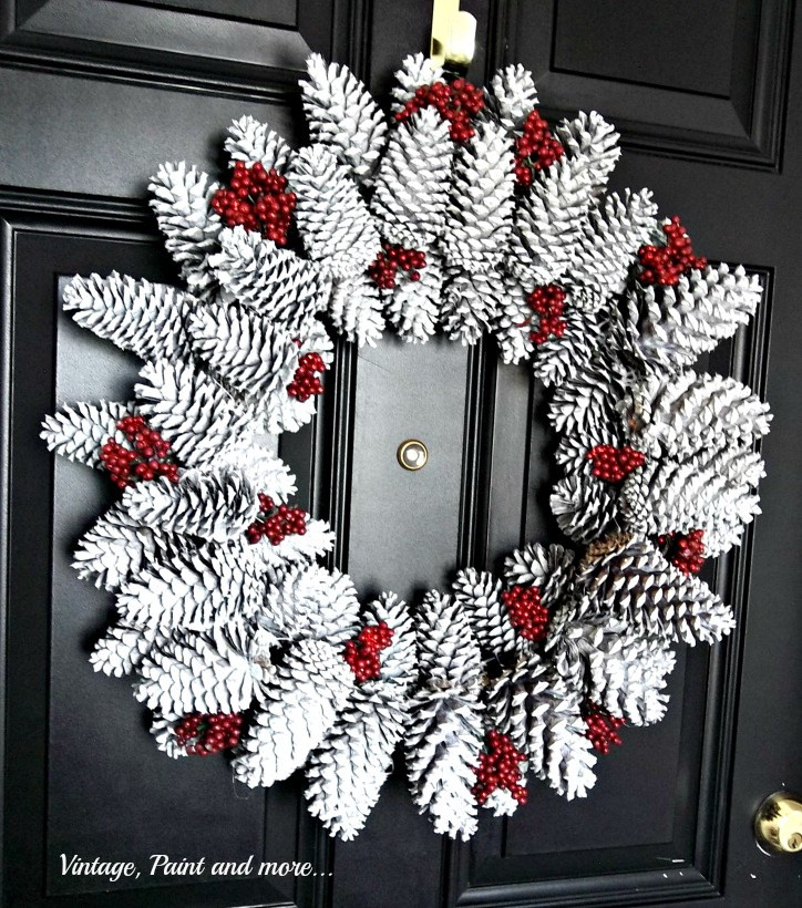Vintage, Paint and more... diy'd pine cone wreath for Christmas