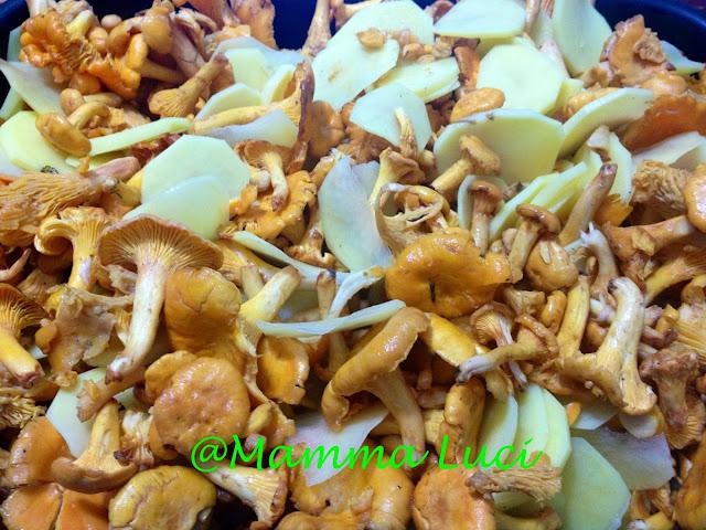 Funghi Galletti (Finferli) e Patate al forno