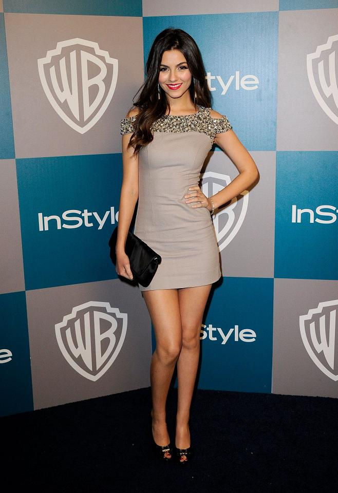 Victoria Justice looks radiant at the Golden Globes 2012 ...