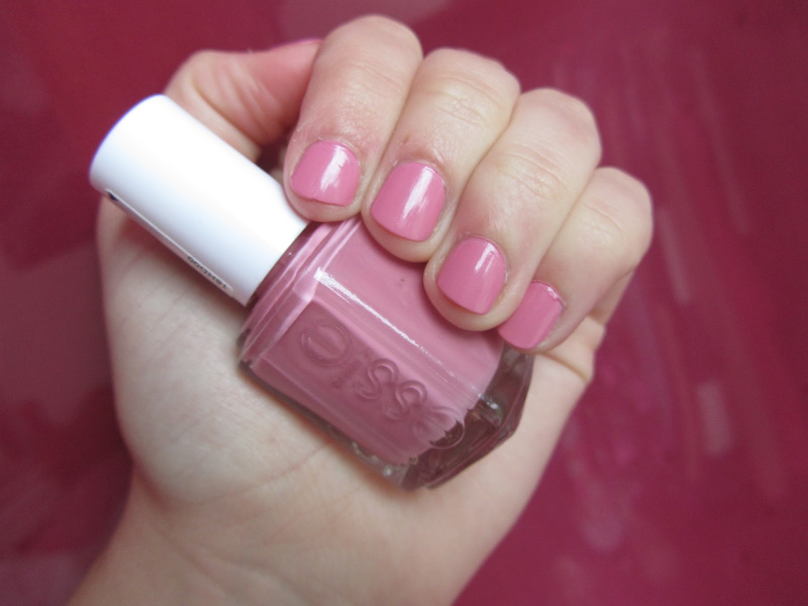 babblingaboutbeauty: Essie Flawless: Swatch & Review