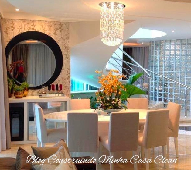 Sala De Jantar Laqueada ~ oval de 8 lugares com poltrona creme! Arranjo laranja, pendente de