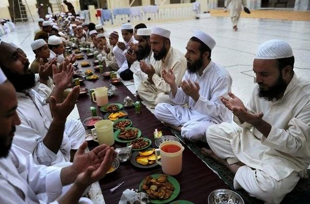 musulmán comiendo
