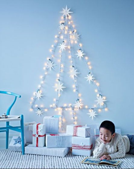 Guirnalda de luces en forma de árbol