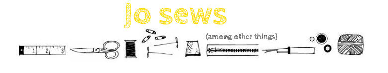 Jo sews