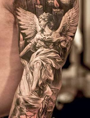 tatuagens de anjos no braço inteiro para homens