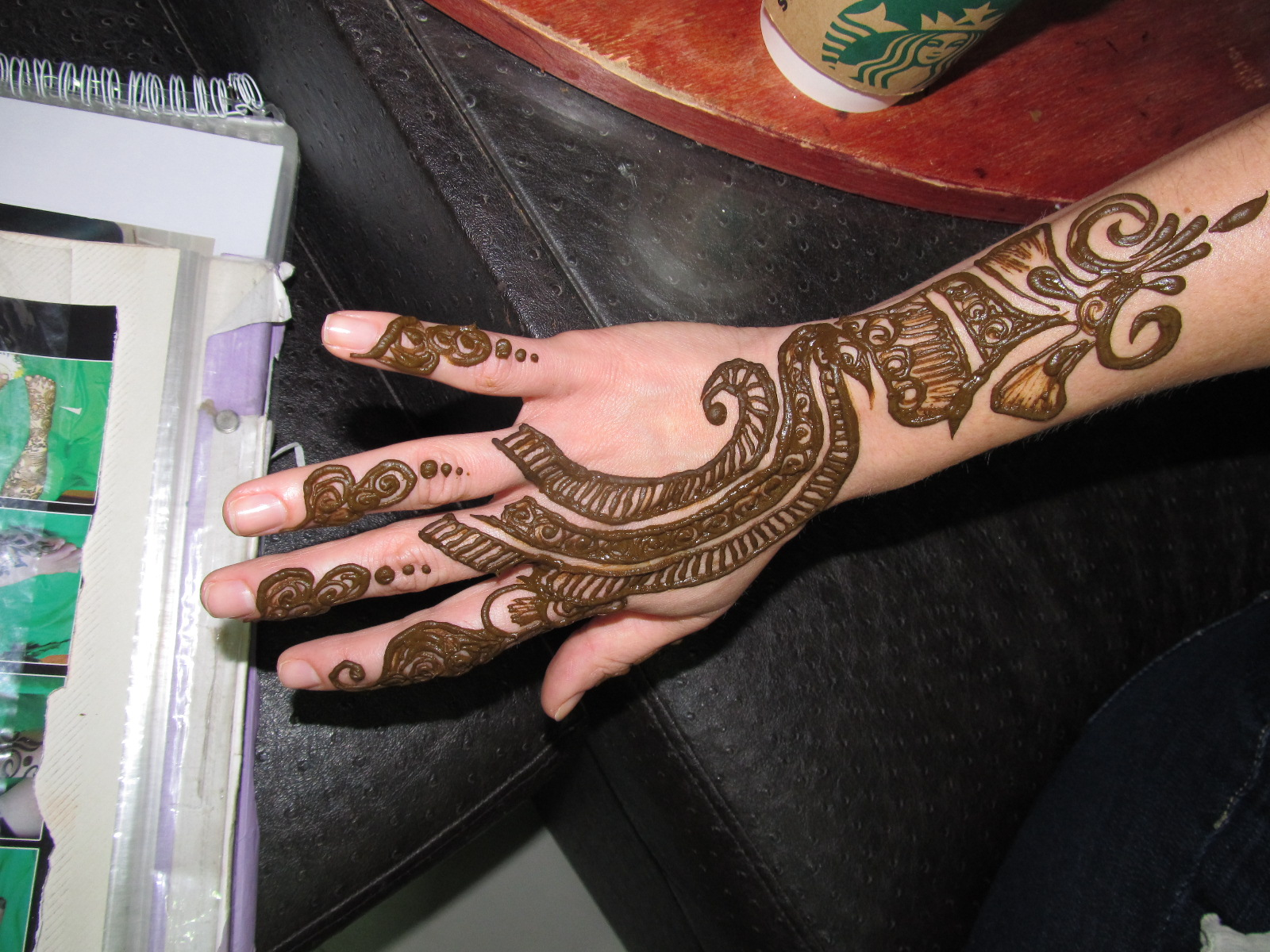 The New Glitterati United Arab Emirates Part VII Henna39d