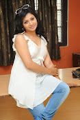 Shweta glam photos stills-thumbnail-13