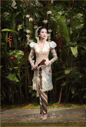 KEBAYA COLLECTION BY IVAN GUNAWAN