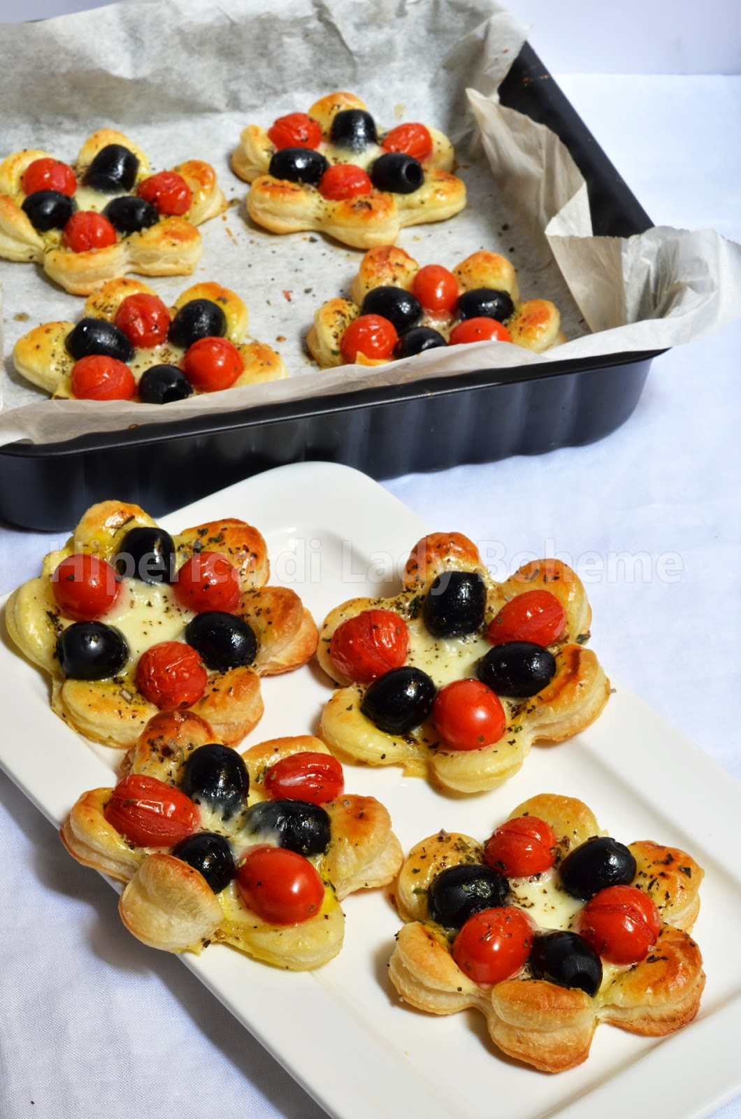 ricetta sfogliatine salate alle olive e pomodorini