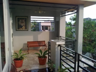 teras 2 lantai rumah minimalis