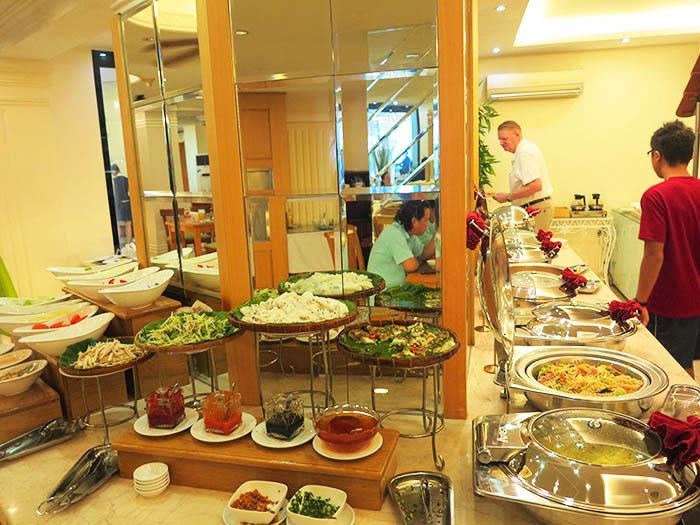 Hoang Hai Long buffet breakfast