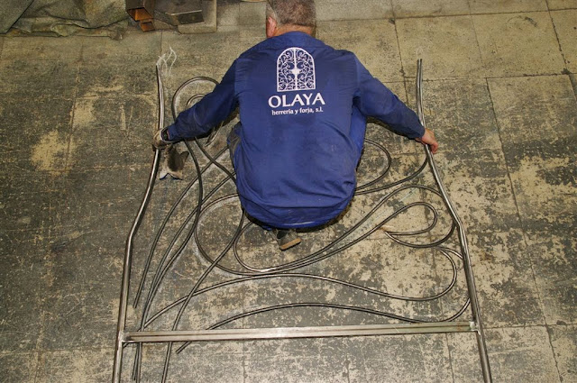 Proyecto de fabricación de una cama de forja y un cabecero de forja