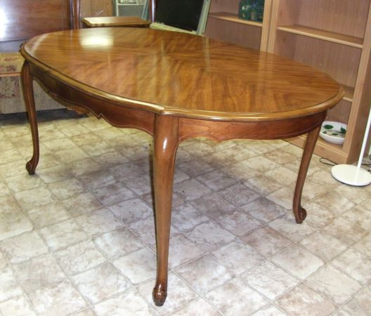 Cincy Thriftique Two Dining Tables Under 50 And One That 39 S Not