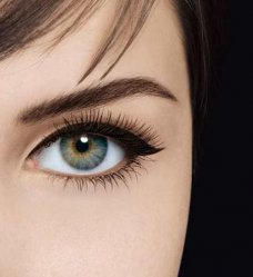 how to apply liquid eyeliner, eyeliner tips, application of liquid eyeliner