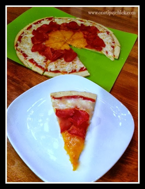 http://www.onetipsychick.com/2013/10/candy-corn-pizza.html