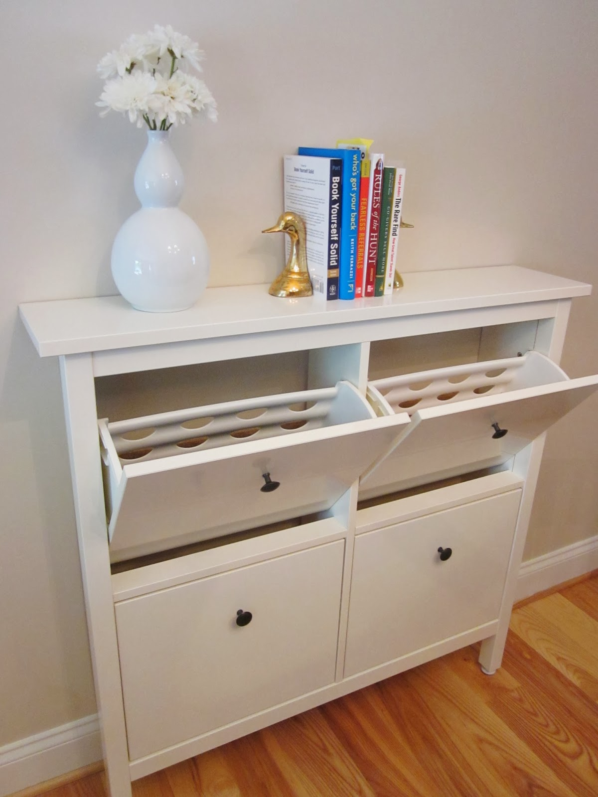 Bonnieprojects small space solution ikea hemnes as a buffet for Ikea small spaces