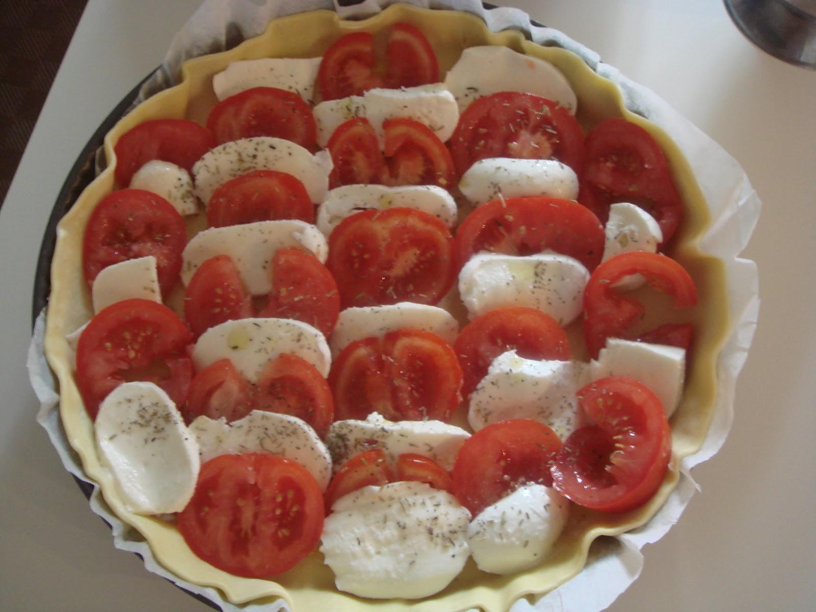 les recettes d 39 emilie tarte tomates mozzarella. Black Bedroom Furniture Sets. Home Design Ideas