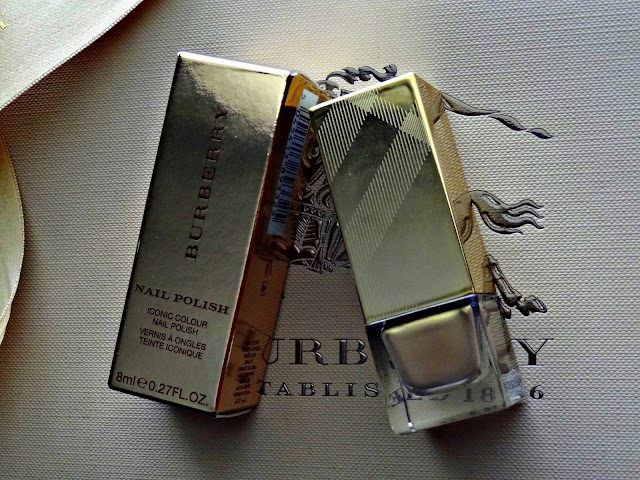 Burberry beauty Golden Light Makeup Collection 2013 Nail Polish in Light Gold no.107