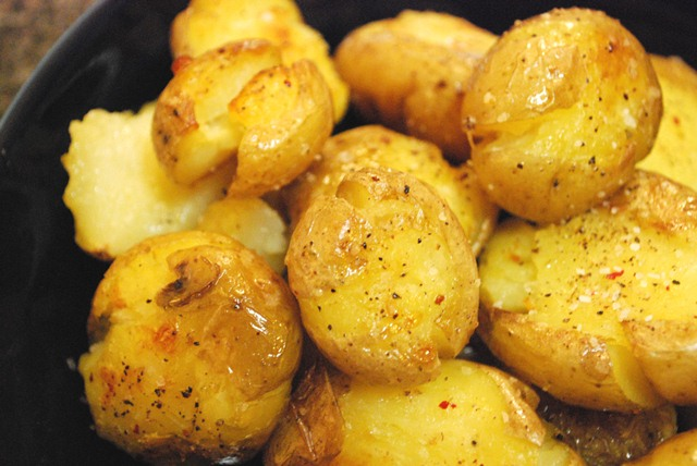 Caitlin's Cooking and More: Salt and Vinegar Roasted Potatoes