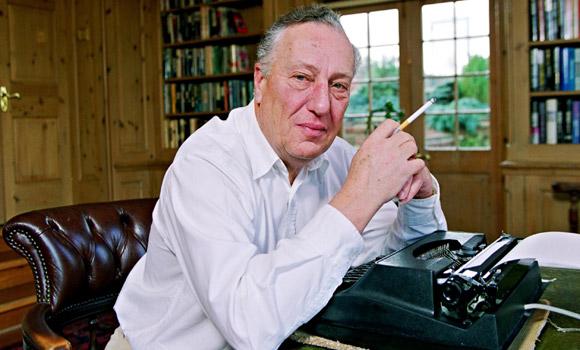 Frederick Forsyth revela que foi espião do MI6
