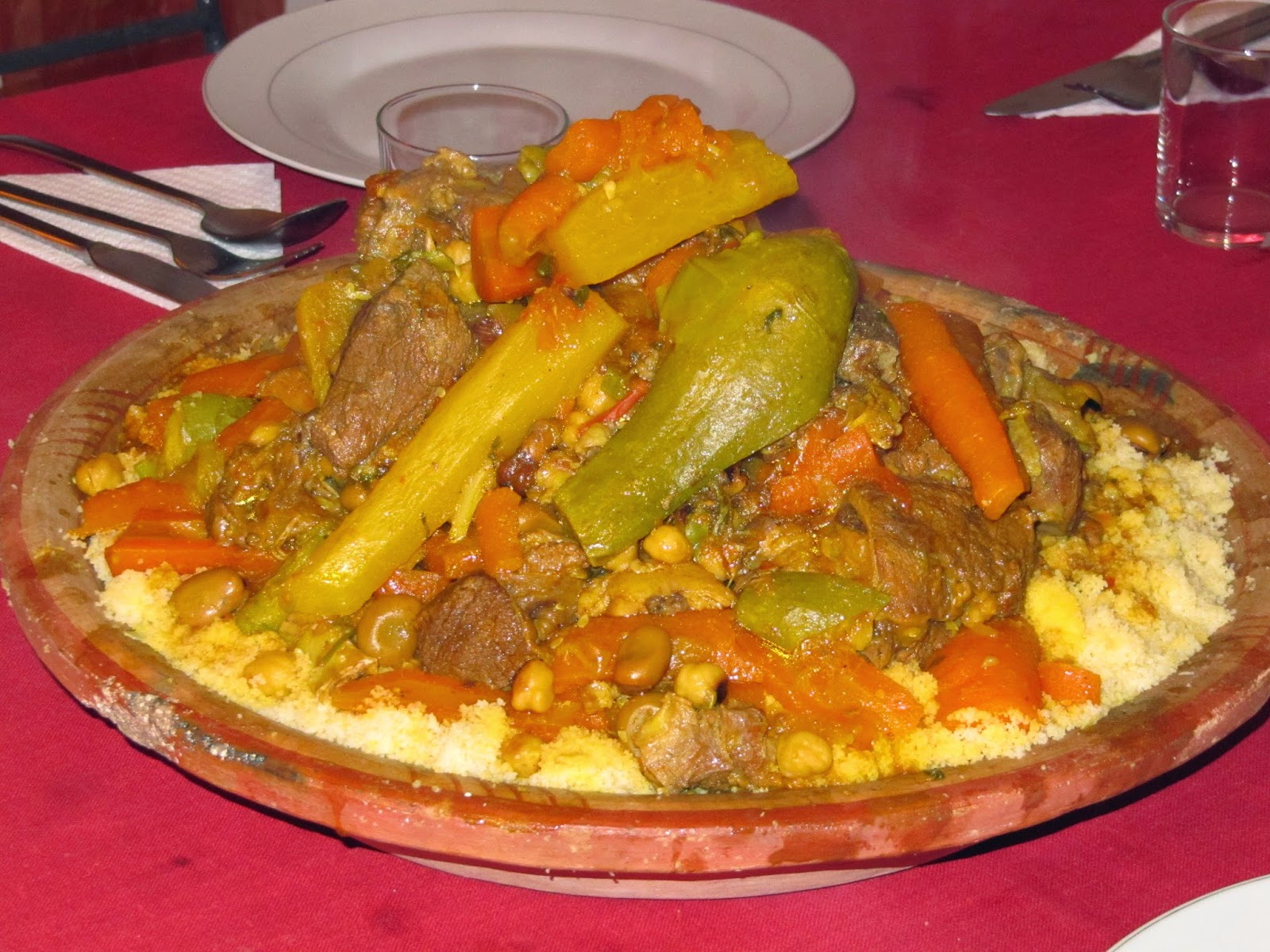 idee recette couscous marocain blogs de cuisine. Black Bedroom Furniture Sets. Home Design Ideas