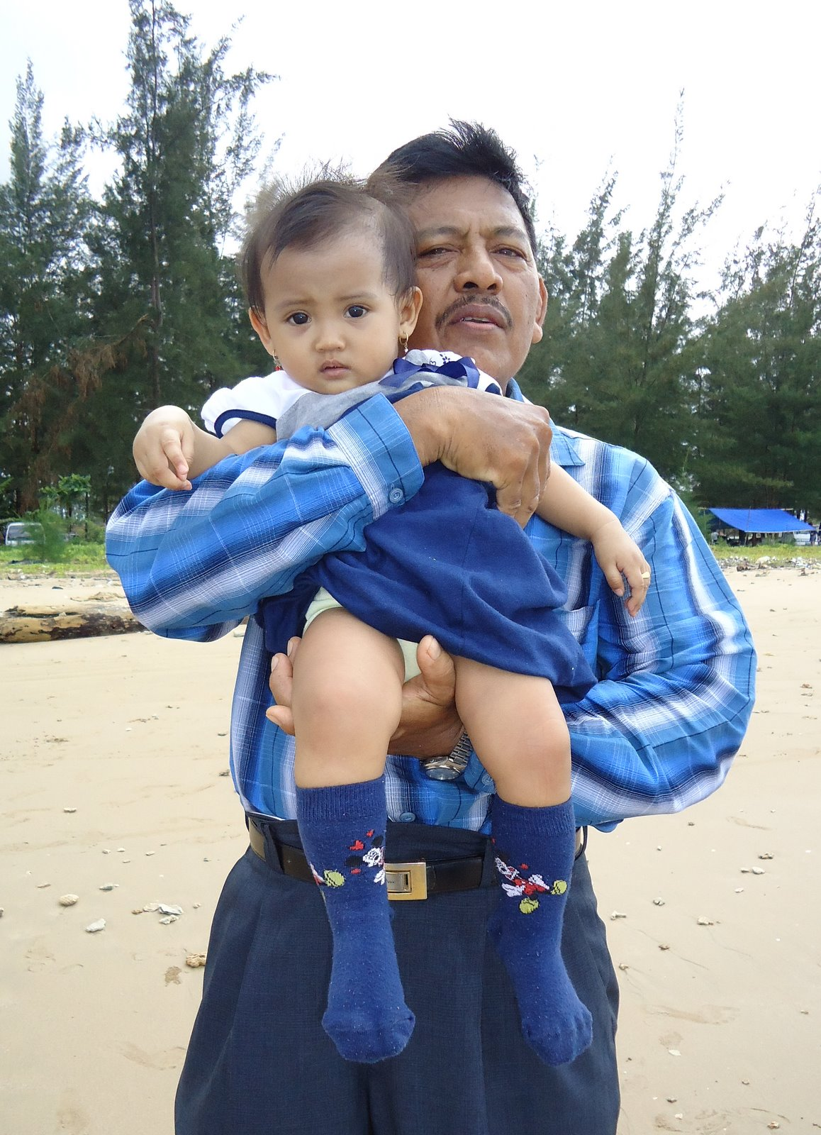 balikpapan single parents A tourist visa is a single entry visit visa  if travelling without both parents,  (in balikpapan, east kalimantan (borneo).
