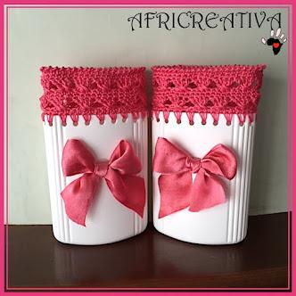Contenitori porta tutto bianchi e rosa