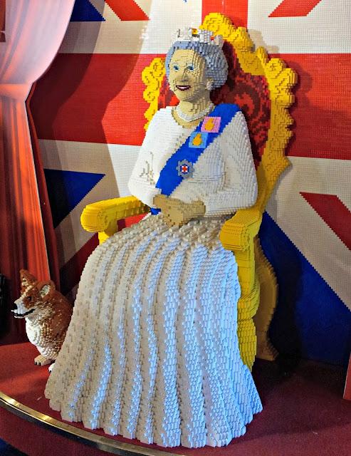 Hamleys, London, Toys, Lego, Queen