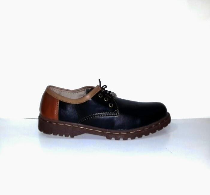 Sepatu Dr Martens Low Women's Sepatu Casual