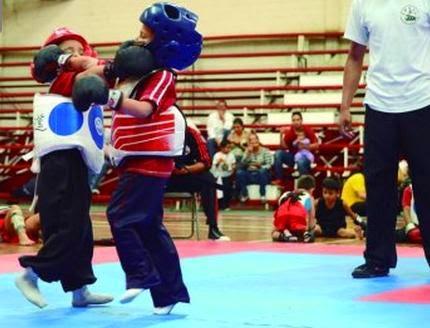 Las Artes marciales ponen su toque a la Fenapla del kung fu -  por Francisco Vargas
