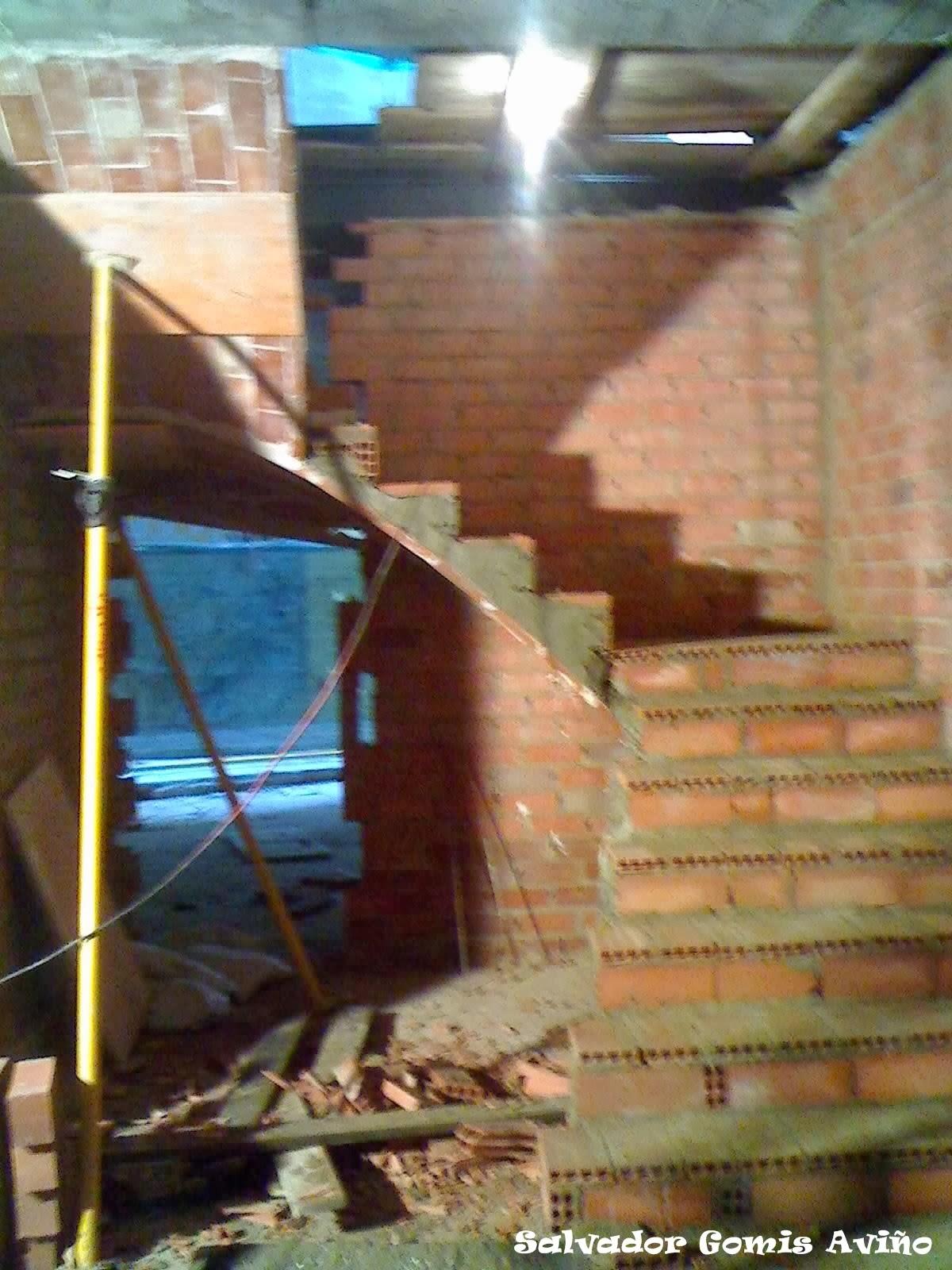 B veda tabicada salvador gomis avi o escaleras tabicadas - Escaleras al aire ...