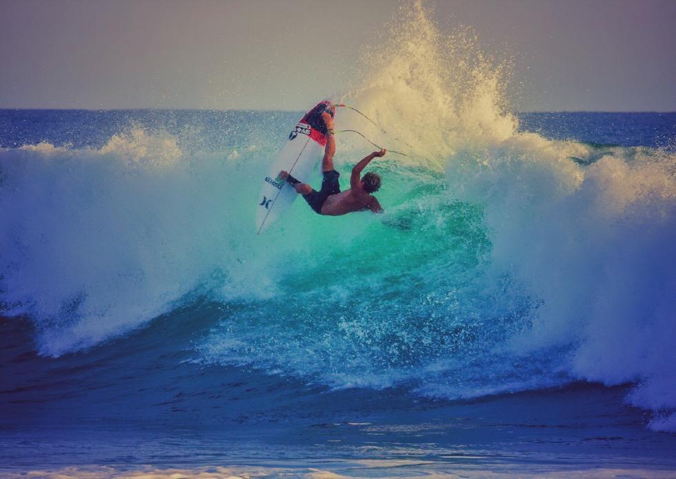 61 John John Florence Trestles Free Surf Layback Hurley Pro at Trestles Foto WSL Brett Skinner