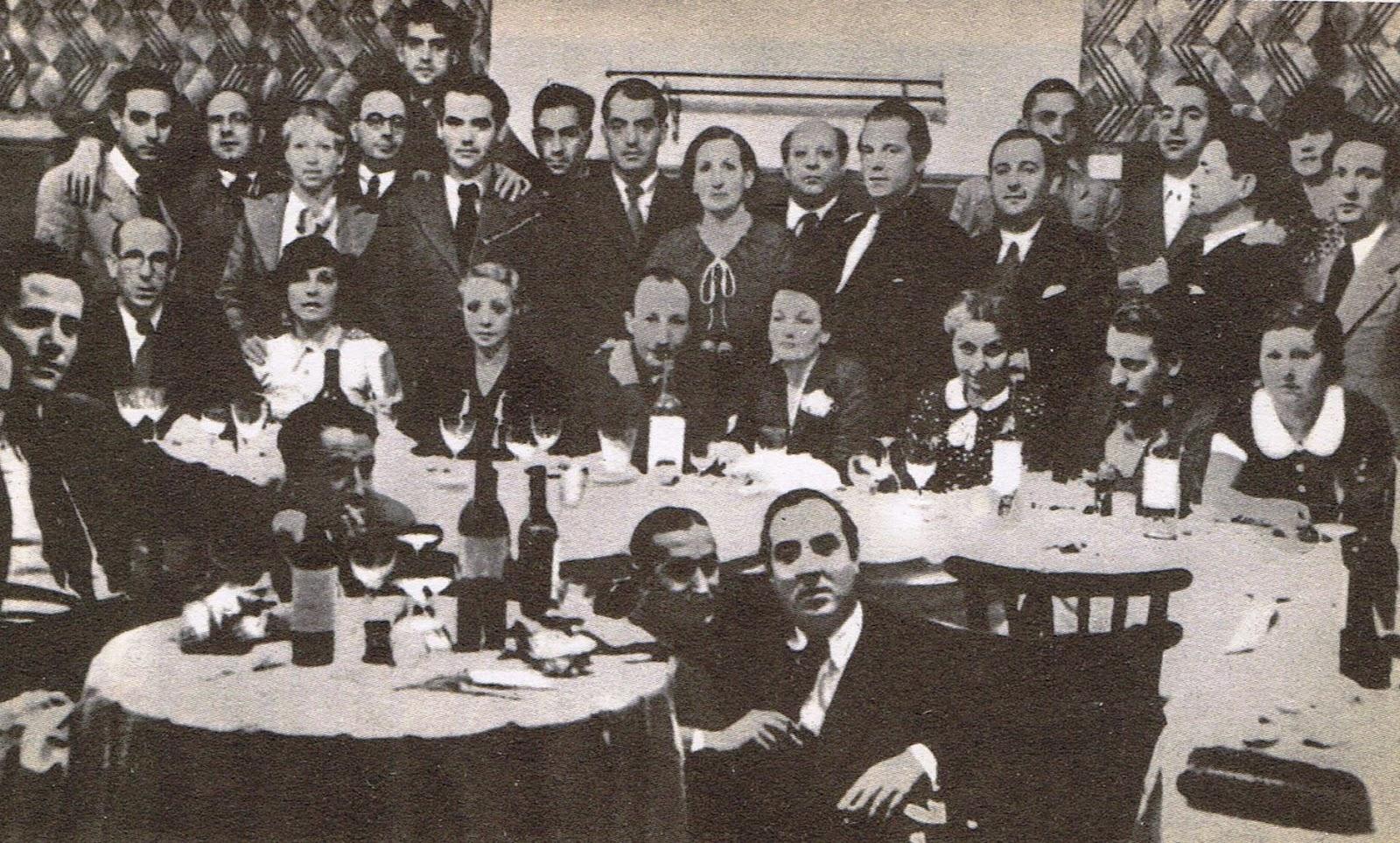 Lorca en un banquete en honor al pintor Hernando Vives en mayo de 1936