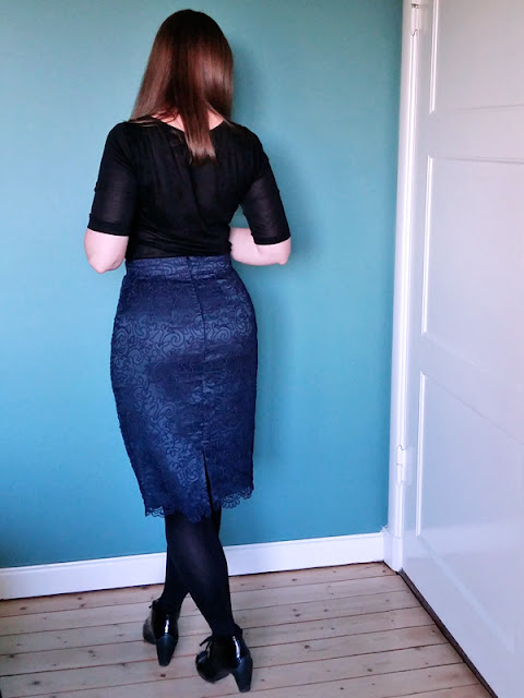 Blue soutache lace pencil skirt back | www.stinap.com