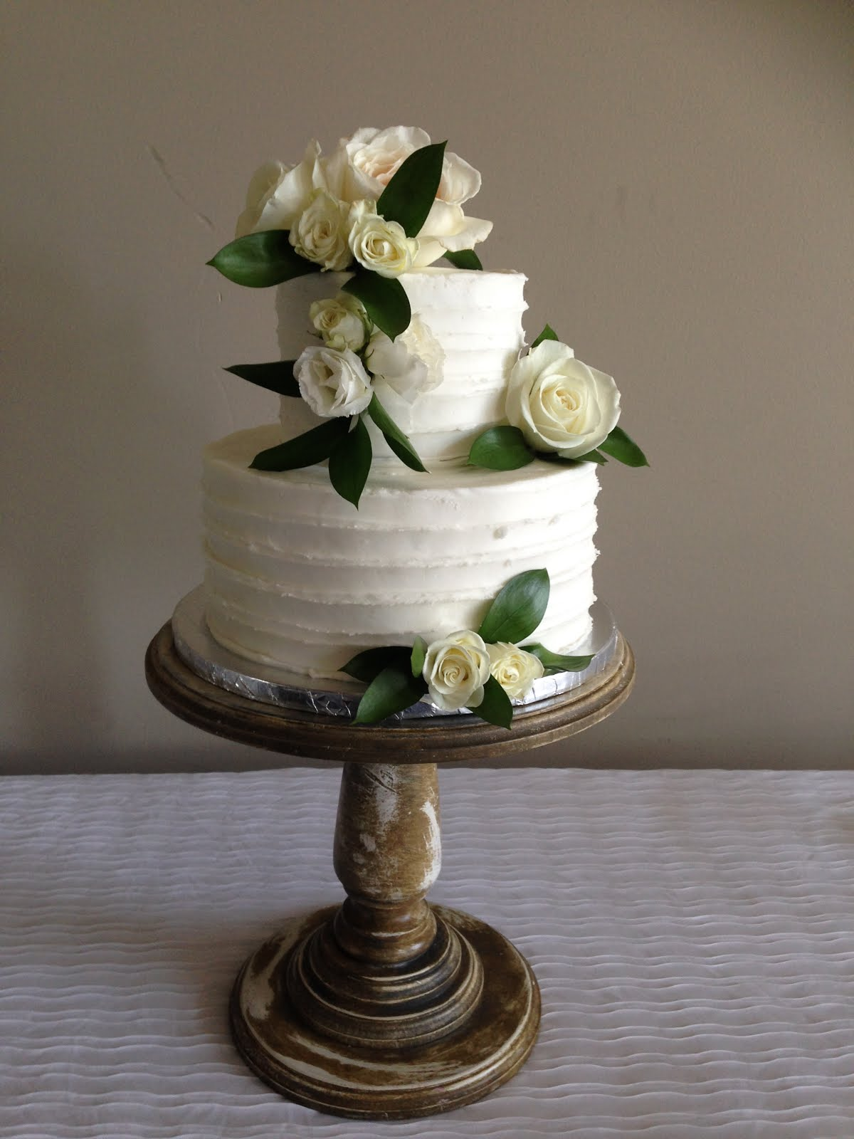 2-tier round buttercream