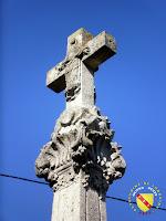 Vitrey - Croix monumentale du cimetière : Assomption