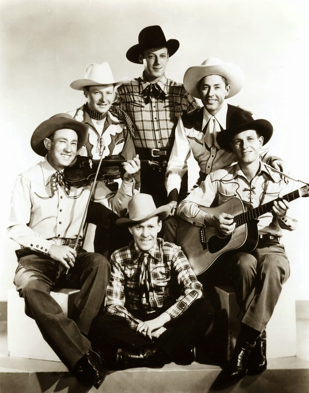 Sons of the Pioneers http://www.jinglejanglejungle.net/2015/01/tumbleweeds.html