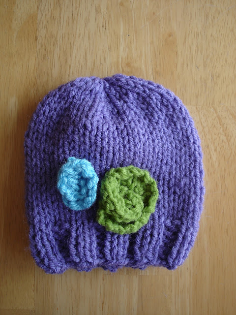 Free Baby Hat Patterns To Knit : Fiber Flux: Free Knitting Pattern! Baby In Bloom Hats