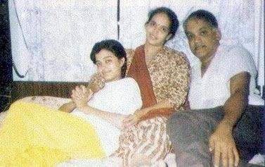 teenage photos of aishwarya rai with her parents