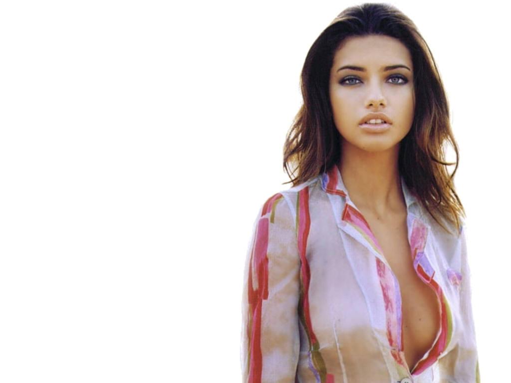 http://1.bp.blogspot.com/-odhOGwUNQ9k/TbFaqmgpmHI/AAAAAAAAEZk/GjzrFb7ipRU/s1600/Adriana+Lima+%252871%2529.JPG