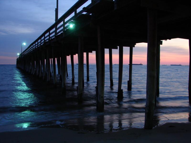 Art effects summer chesapeake bay crab feast for Lynnhaven fishing pier