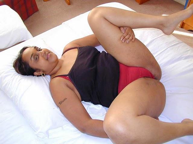 felicia is a horny milf
