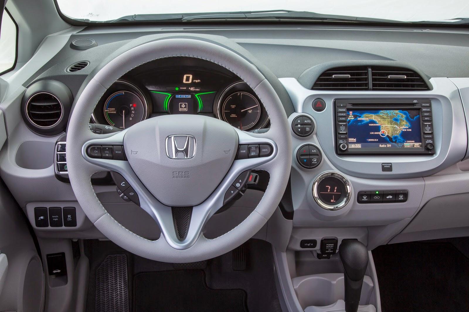 Interior view of 2014 Honda Fit EV