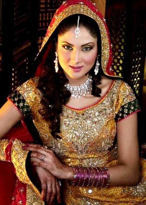 For wedding bridal entertainment desi wedding indian bridal hair - Mehandi Designs World North Indian Traditional Bride