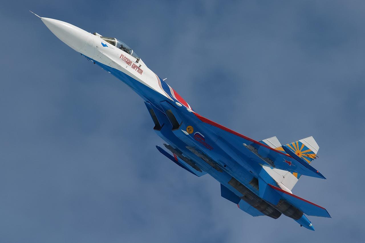http://1.bp.blogspot.com/-oeC-q8rjdcI/UO-xO-so8KI/AAAAAAAADaA/N3-phW9_Sh4/s1600/Sukhoi+Su-27+Flanker+Superiority+Fighter+Jet.jpg