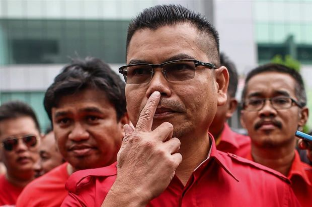 Kuala Lumpur Red Shirts Leader Datuk Seri Jamal Md Yunos Is Seeking To Summon The Inspector General Of Police His Predecessor And Former Prime Minister
