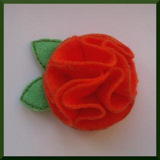 broche flor fieltro naranja
