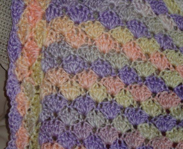 Enthusiastic crochetoholic: Crochet Pram Blanket