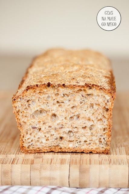 chleb domowy z ziarnami