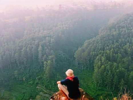Tebing Karaton, Tempat Selfie Paling Top di Bandung